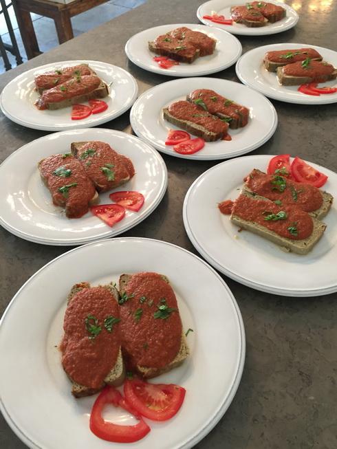 Portions de flan de caviar aubergine